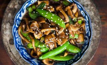 Mushroom Stir Fry with Peas & Green Onions
