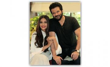 Kapoor father-daughter duo to share the big screen