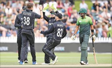 HOPE TURNS TO T20
