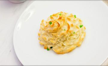 Gravy-stuffed Potatoes