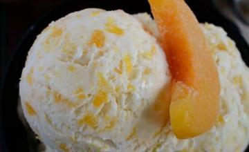 Peaches & Cream Ice Cream