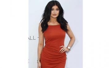 BEING ORIGINAL - Kylie Jenner gets rid of fillers