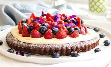 Raw Berry & Chocolate Torte