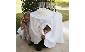 Bride kicks a couple out of her reception