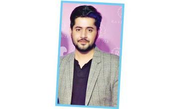 Imran Ashraf to debut on the big-screen with Dum Mastam