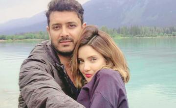 Armeena Khan got hitched to childhood beau