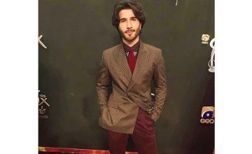 Feroze Khan quits showbiz to embark on his spiritual journey