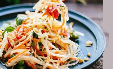 Som Tam (Papaya Salad)