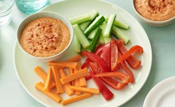 Hummus with Vegetable Sticks