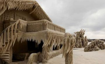 New York homes encased in ice after freezing temperatures and strong winds