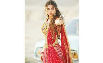 starring Sonya Hussyn and Mohsin Abbas Haider