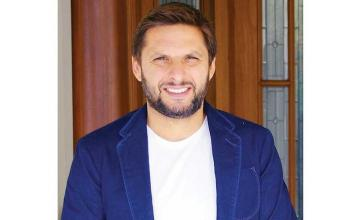 Shahid Afridi pledges to reinstate the only public library in District Tank, KP